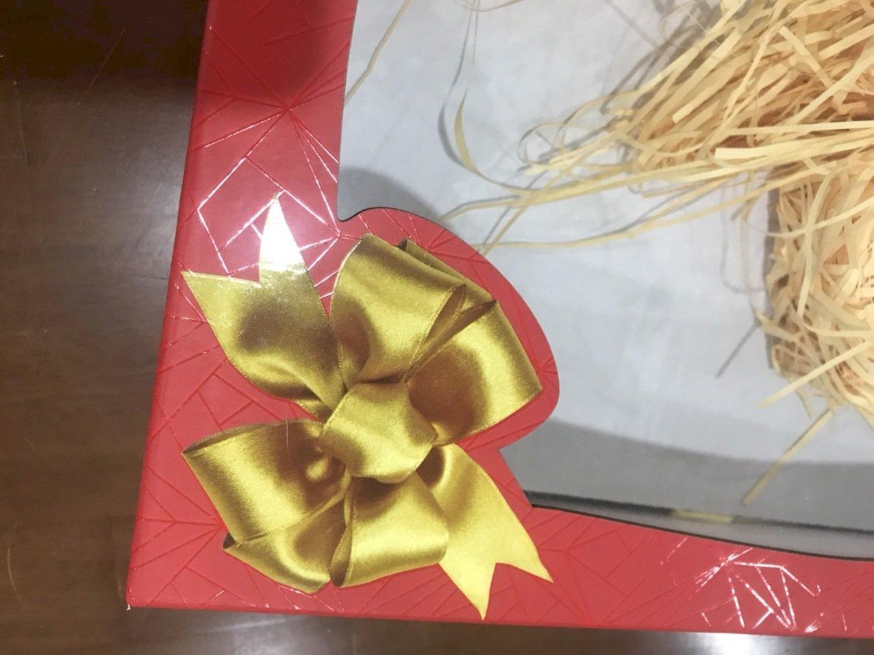 Chất liệu giấy in vỏ hộp quà, hộp đựng, hộp giấy in offset, in ghép bài offset