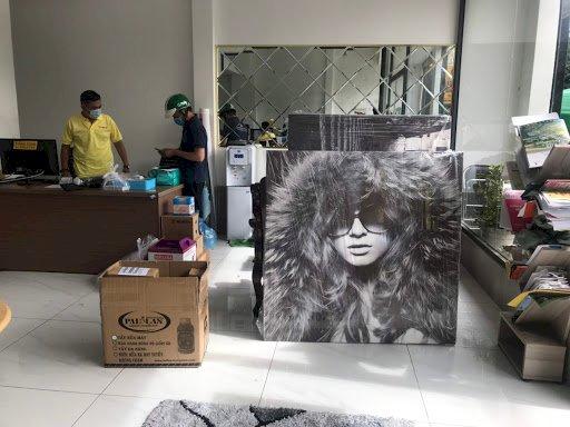 In tranh chân dung trên chất liệu Canvas treo tường, để bàn & lên khung theo yêu cầu - Ảnh: 1