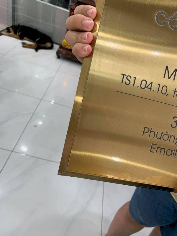 In UV trên inox làm bảng tên công ty Bình Thạnh, TPHCM - Thiết kế bảng hiệu công ty đẹp, in lấy ngay - Ảnh: 2